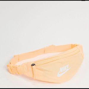 Nike Fanny pack NWT